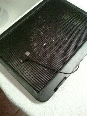"""Podstawka chłodząca pod laptopa 16""""."""