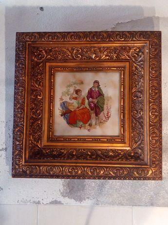 Quadro antigo com moldura dourada e com azulejo