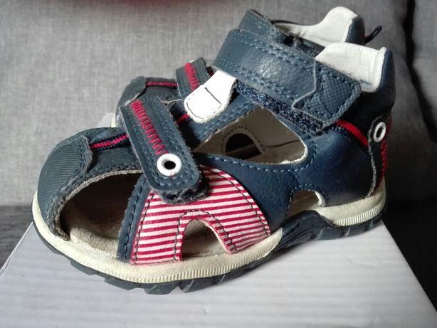 Sandałki chłopięce rozmiar 20