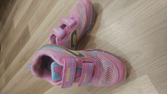 Кроссовки,детские кроссовки,светящиеся кроссовки,geox