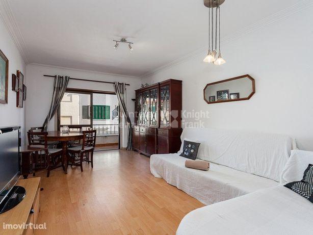 Apartamento T2 mobilado para arrendamento em Cascais