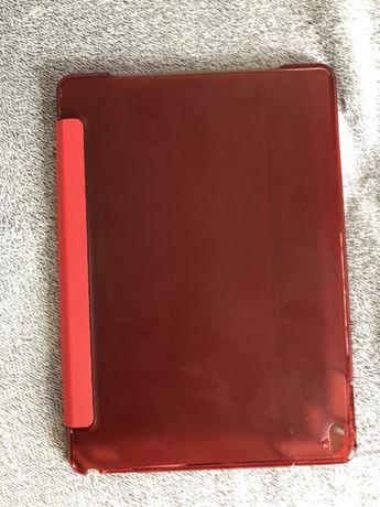 Czerwone, plastikowe etui na IPada. Nowe