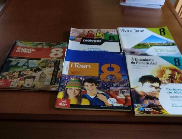 Cadernos escolares de fichas