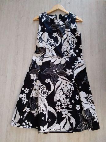 Sukienka bialo- czarna w kwiaty M