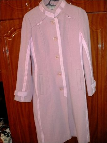 Пальто демосезонне жіноче і плащ 48р.