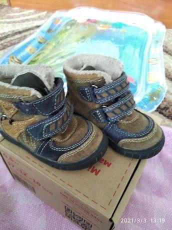 Оочень классные Замшевые Ботиночки для малыша 20 р-р