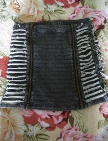 Джинсовая юбка .неформальная юбка. потертая юбка. Vila