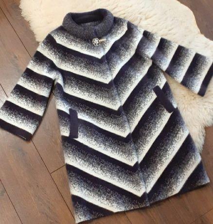 Очень красивое пальто Альпака