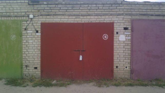 Власник - Продам цегляний гараж без ями