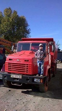 Запчасти к грузовой технике отечественного и импортного производства.