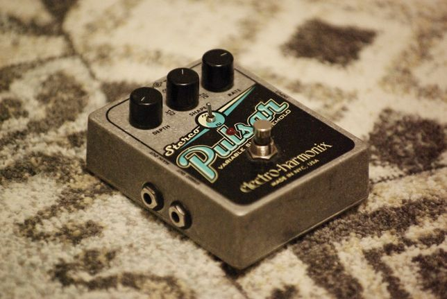 Efekt gitarowy tremolo/vibrato Electro-Harmonix Stereo Pulsar