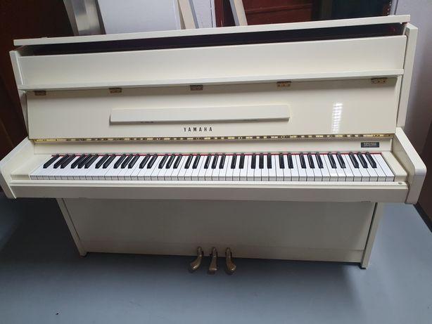 Pianino Yamaha, białe, Made in Japan