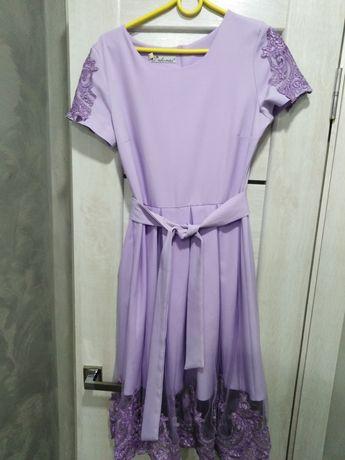 Святкове вечірнє плаття