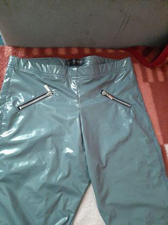Spodnie z eko skóry