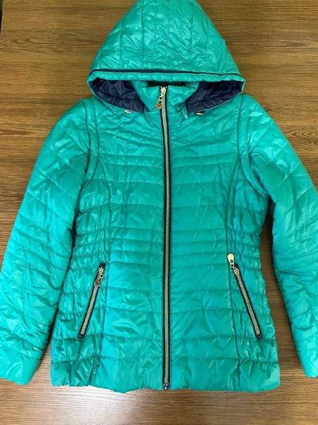 Демисезонная куртка-жилетка женская