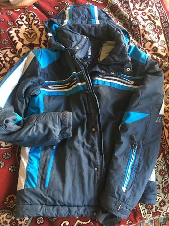Курточка зимняя бу для сноуборда или лыж