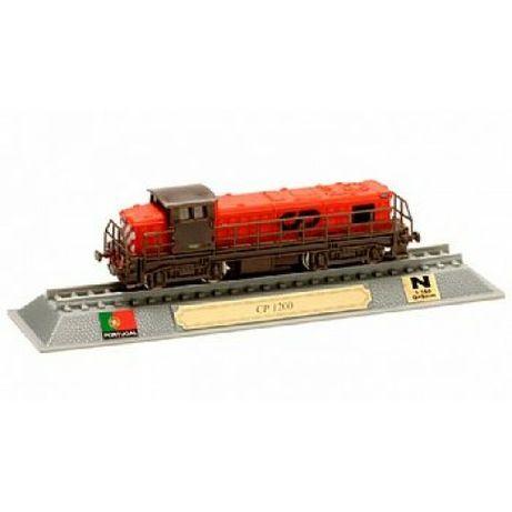 Modelo miniatura locomotiva CP 1200
