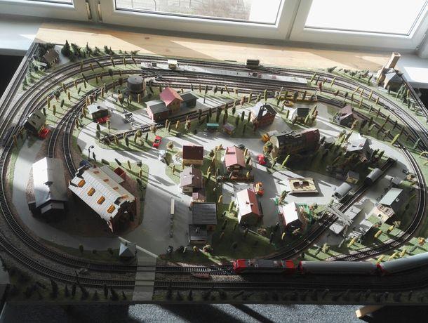 Zestaw Makieta kolejowa Piko + 2 lokomotywy + dodatkowe elementy