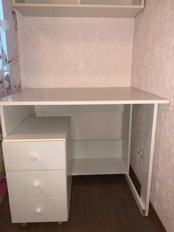 Робочий стол,тумбочка,полочки)Для девочки.Мебель в комнату