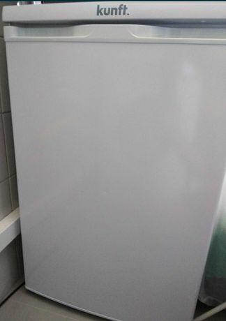 Arca Congeladora Vertical KUNFT