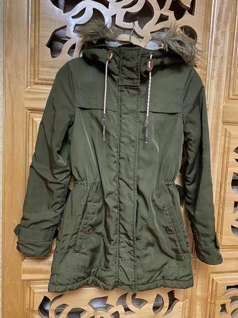 Парка (куртка) pull&bear демисезонная, женская
