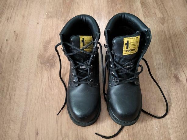 Buty z blachami nowe