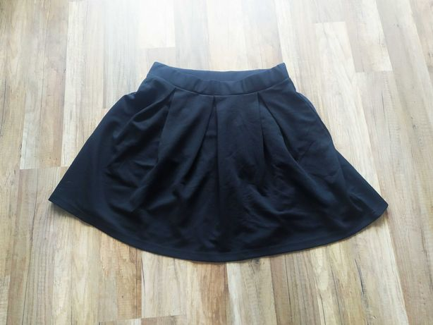 NOWA czarna spódnica rozmiar M moodo