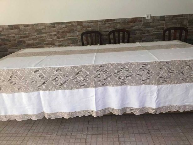Toalha de mesa em linho antigo, renda manual de linha fina