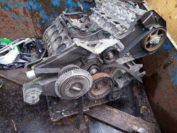 Silnik V8 4.2 asg Audi
