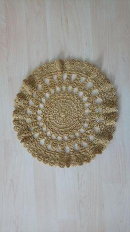 serweta średnicy 30 cm ręcznie robiona złota , na święta , prezent
