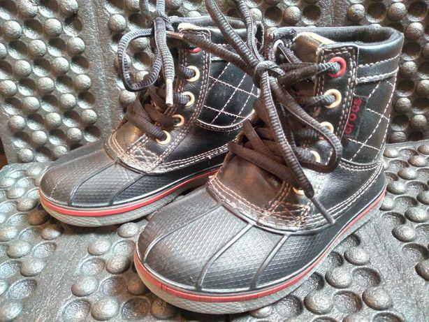Демисезонные ботинки crocs