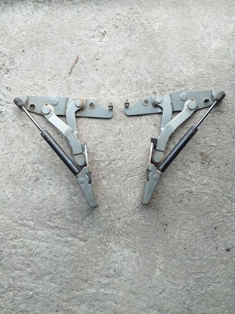 Zawiasy klapy tylnej z siłownikami nissan primera p 12 sedan