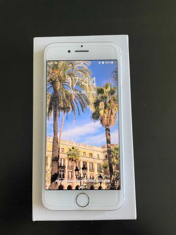 iPhone 7 jak nowy, świetny stan, srebrny 32 gb