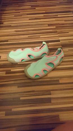 Buty do pływania