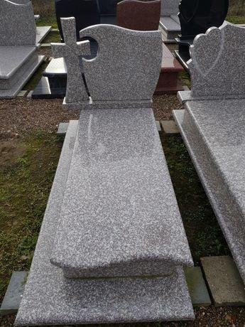 Pomnik granitowy pojedynczy