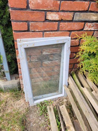 Okna drewniane dwa