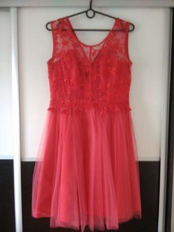 sukienka czerwona z koronką i tiulem