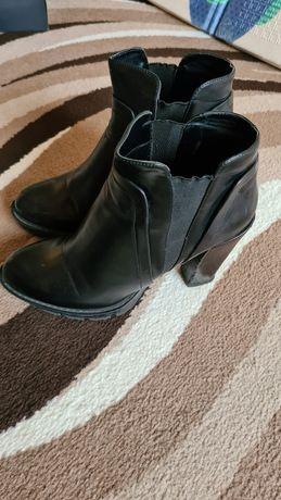 Ботинки кожаные Bata (Италия)