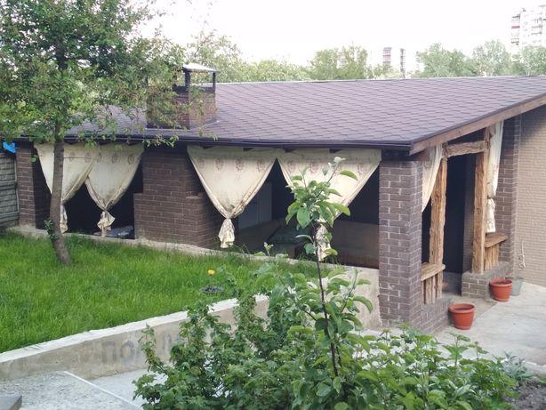 Домик для отдыха с беседкой, мангалом центр, на Псельской