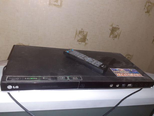 DVD-Караоке LG - DVX487KH