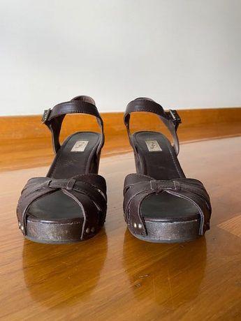 Sandálias Castanhas Stradivarius