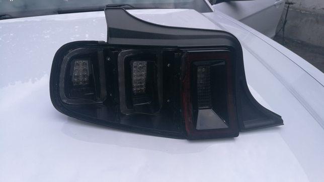 Tylna lampa Ford Mustang 2014, lewa tył