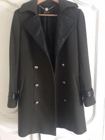 Продам женское пальто Guess