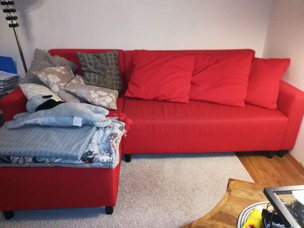Sprzedam narożnik IKEA z funkcją spania i pojemnikiem na pościel.