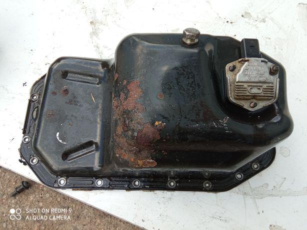 Miska olejowa z czujnikiem poziomu oleju VW Golf V 1.4