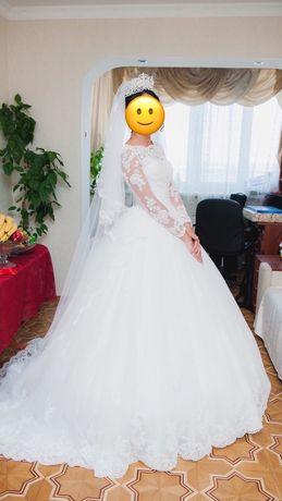 Продам платье в идеальном состояние как новое после химчистки