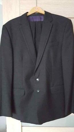 Czarny garnitur ślubny