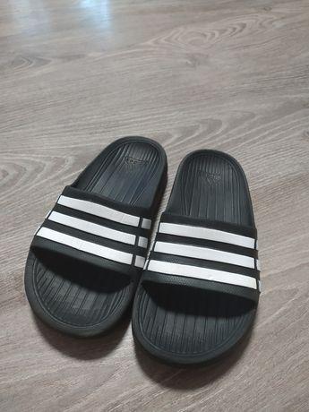 Adidas (шлепки,сандали, босоножки)