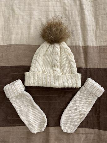 Вязаные шапке и рукавицы
