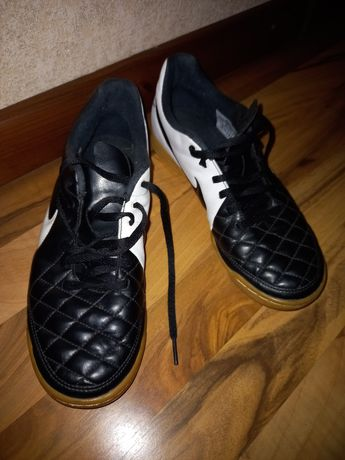 Футзалки (бампи) Nike Tiempo